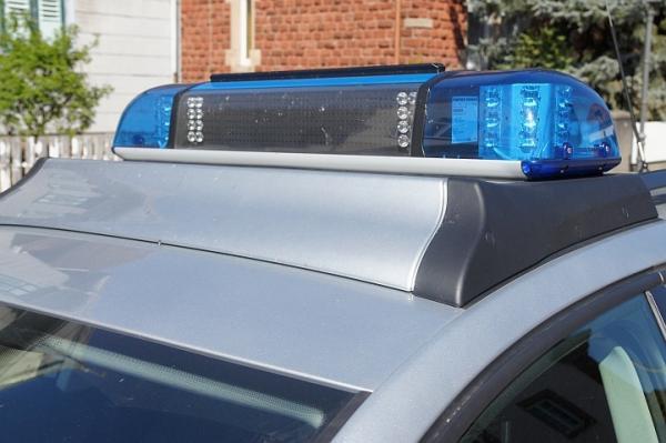 Symbolbild, Polizei, Auto, Blaulicht © Holger Knecht