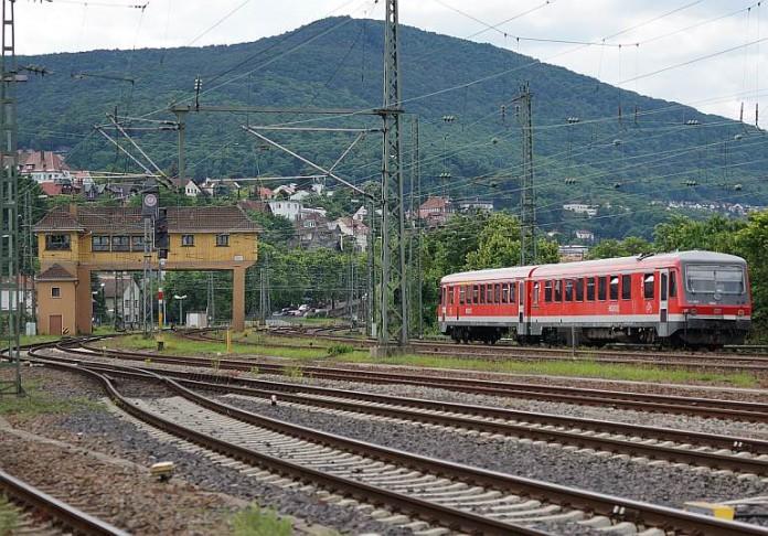 S-Bahn bei Neustadt an der Weinstraße (Foto: Holger Knecht)