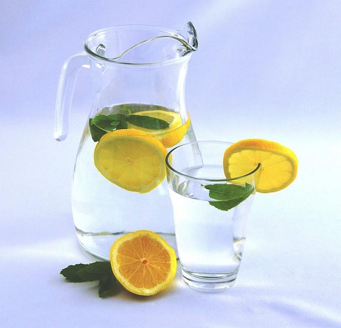 KKH: Leckere Erfrischungsgetränke selber herstellen - Trend-Getränke ...