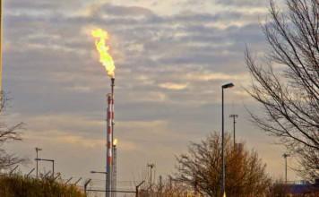 Die BASF informiert über Fackeltätigkeiten (Foto: Kurt Müller / Oppau.info)