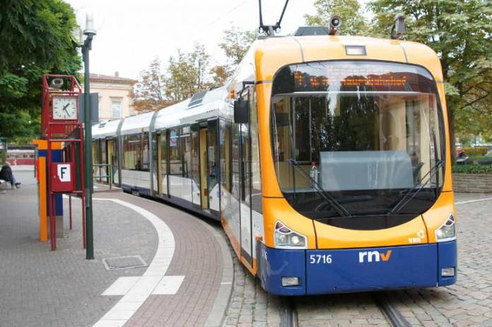 Straßenbahn (Archivfoto: Holger Knecht)