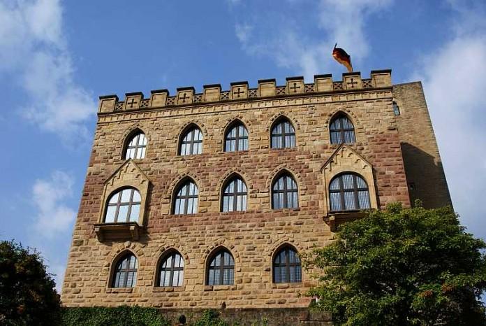 Das Hambacher Schloss (Foto: Holger Knecht)