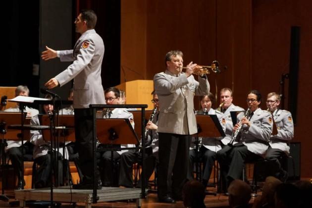 Stabsfeldwebel Ralf Huber an der Trompete