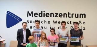 """Teilnehmer des Kinder- und Jugendfotowettbewerbs """"Mein Lieblingsplatz"""" wurden ausgezeichnet"""