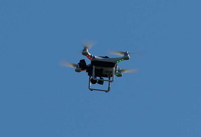 Symbolbild Drohne (Foto: Holger Knecht)