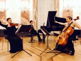 Anna-Katharina Thoma mit Tiankai Yu und Tabea Luise Simonis (Foto: Thoma)