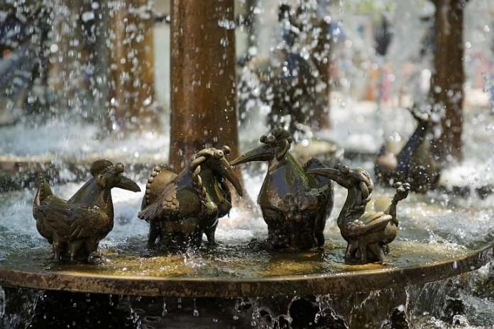 Der Elwetritschebrunnen in Neustadt an der Weinstraße - ein beliebtes Ziel bei Führungen (Foto: Holger Knecht)