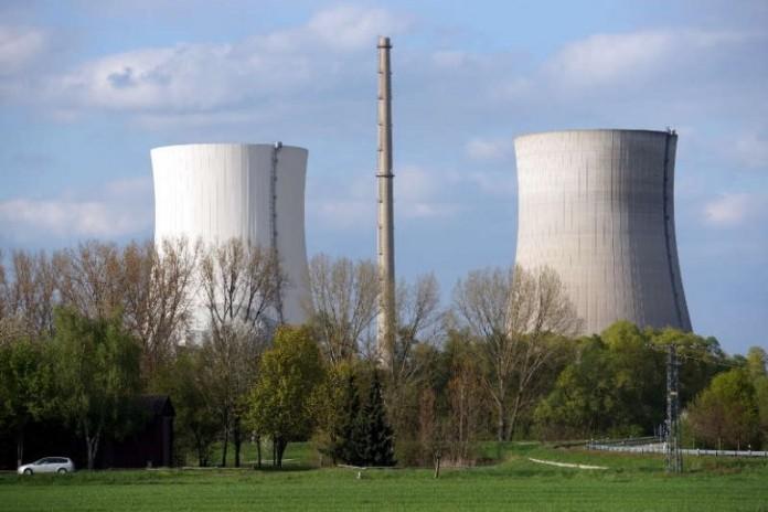 Die Kühltürme des Kernkraftwerks Philippsburg (Foto: Holger Knecht)