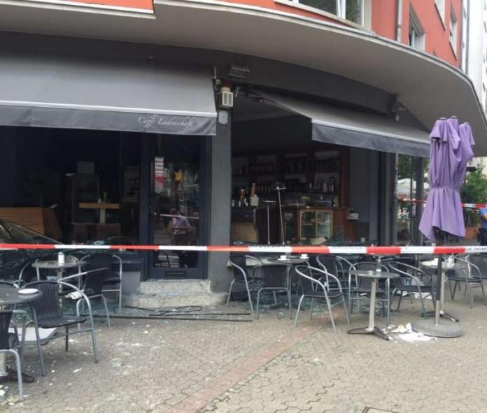 In diesem Café kam es zu einer Verpuffung (Foto: Feuerwehr Frankfurt am Main)