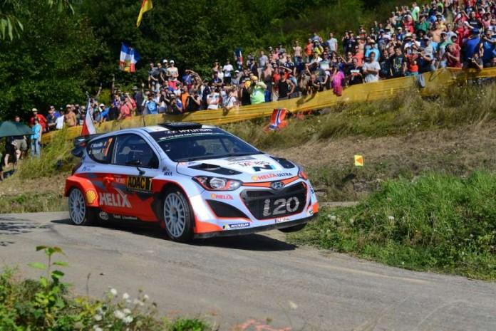 Teamwork nicht nur bei den WRC-Stars (Foto: ADAC Rallye Deutschland)