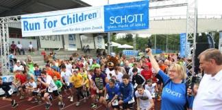 """Startschuss für den """"Run for Children"""" 2016 (Foto: Alexander Sell)"""