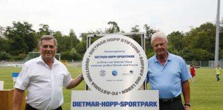 FCA-Präsident Willi Kempf mit Freund und Gönner Dietmar Hopp auf der Einweihungsfeier (Foto: Helmut Pfeifer)