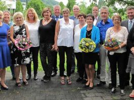 Zwölf Mitarbeiterinnen und Mitarbeiter wurden am Standort Mosbach der Neckar-Odenwald-Kliniken für ihren langjährigen Dienst geehrt oder aus diesem verabschiedet. Foto: Neckar-Odenwald-Kliniken