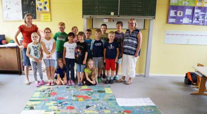 Schulprojekt: Grundschulkinder von Rippenweier bespielen ihr Dorf