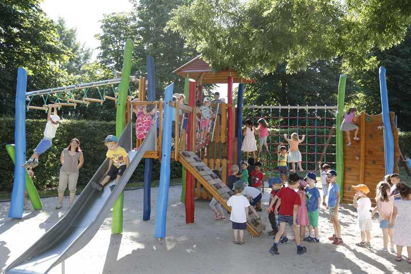 Klettergerüst Kindergarten : Kindergarten ganderkesee freude über neues klettergerüst