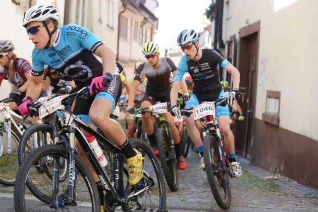 Start der Mitteldistanzfahrer (Foto: Holger Knecht)