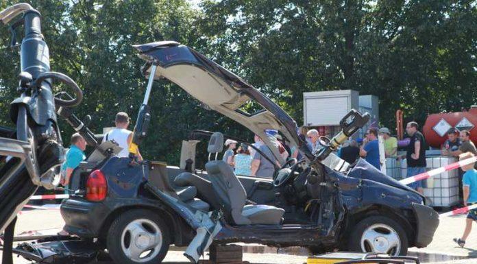 Überall kaputte Autos ;-)