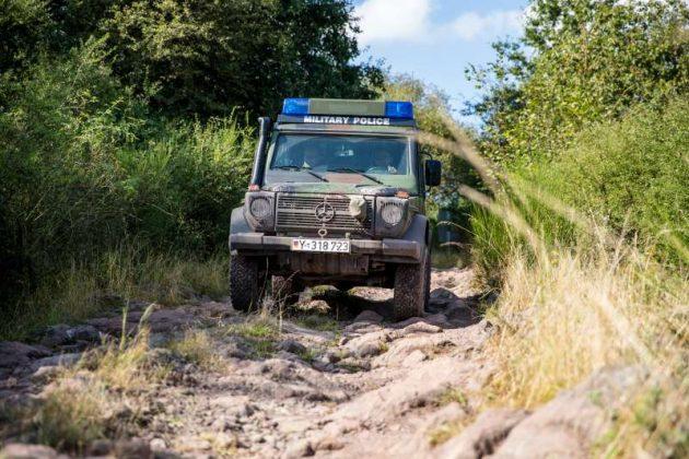 Fahren in unwegsamem Gelände (Foto: Stephan Dinges)