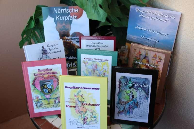 Die Bücher sind bei Der Bücher Wirth oder postalische erhältlich (Foto: privat)