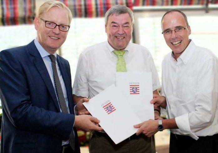 v.l.: Markus Frank, Dr. Rolf Müller und Peter Beuth (Foto: Landessportbund Hessen)