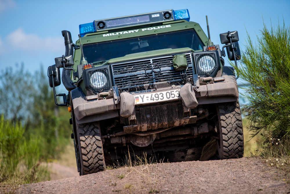 Geländegängiges gepanzertes Fahrzeug der Feldjäger (Foto: Stephan Dinges)