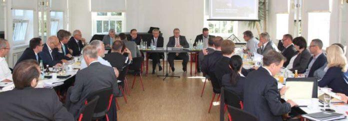 Die jüngste Kreisversammlung des Gemeindetags fand im Jägerhaus in Forst statt. (Foto: Landratsamt Karlsruhe)
