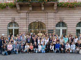 Die neuen Auszubildenden und dualen Studentinnen und Studenten bei der Stadt Heidelberg. (Foto: Philipp Rothe)
