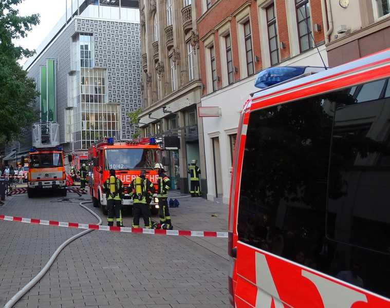 Brand in einem Kleidergeschäft in Wiesbaden