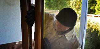 Symbolbild Polizei Einbrecher-1 Quelle: polizei-beratung.de