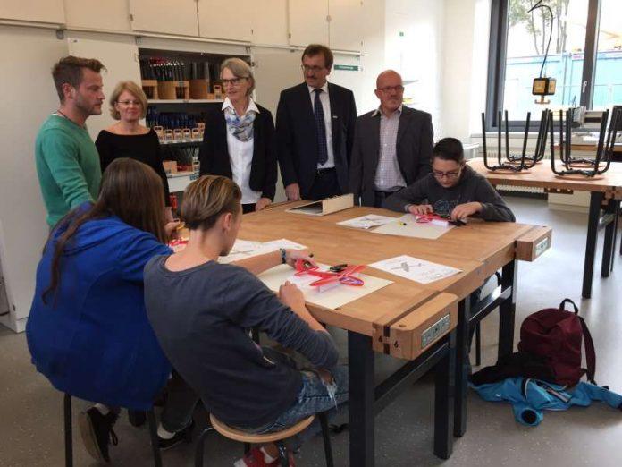 Stadt und BBS informieren über den Fortschritt der Schulbaumaßnahmen (Foto: Stadt Mannheim)