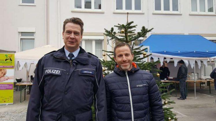 Thomas Lebkücher und Heiko Arnd, Initiiator des 1. Weihnachtsmarkts (r.) (Foto: www.kggp.de)