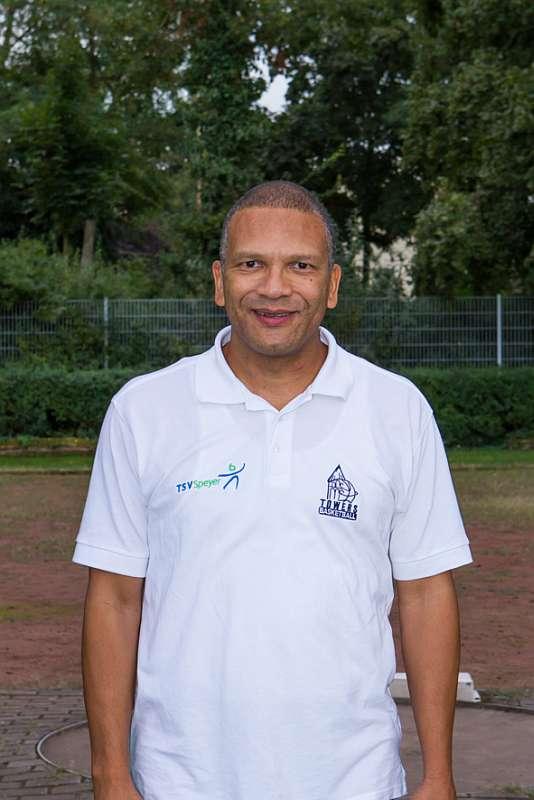 Der ehemalige Assistant-Coach Conrad Jackson in der Saison 2013/2014, aktuell Headcoach der SG Weiterstadt. (Foto: Maik Neumann)