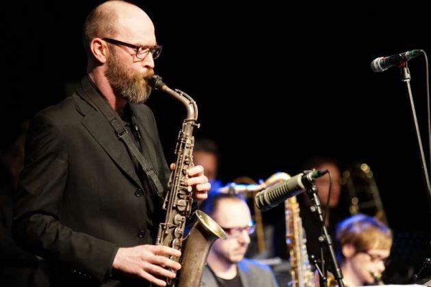 Tim Hurley, Altsaxophon (Foto: Holger Knecht)