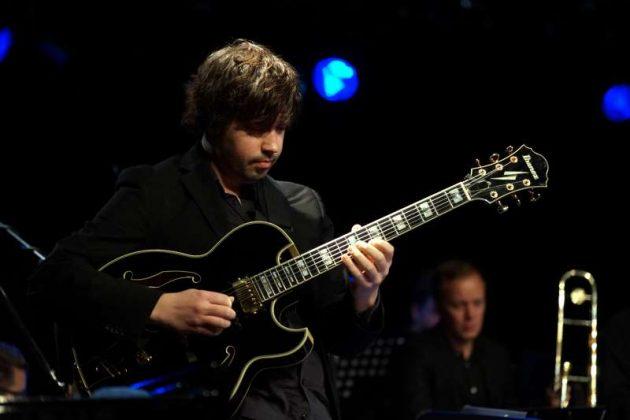 Gitarrist Sebastian Böhlen (Foto: Holger Knecht)