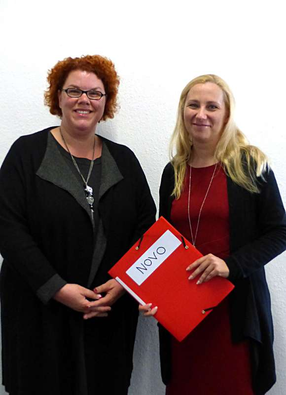 Tanja Kögel (l.) und Erste Kreisbeigeordnete Diana Stolz (Foto: Kreis Bergstraße)