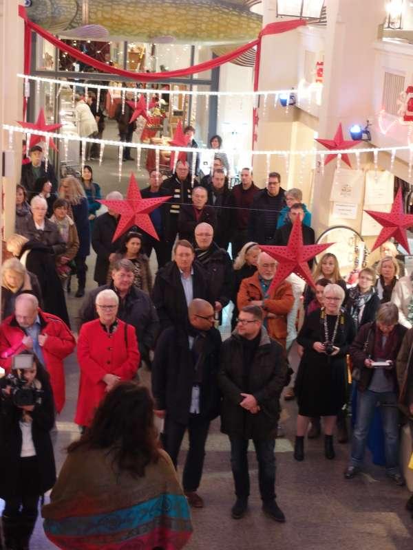Bei der Eröffnung des Kulturmarktes. (Foto: Stadt Karlsruhe)