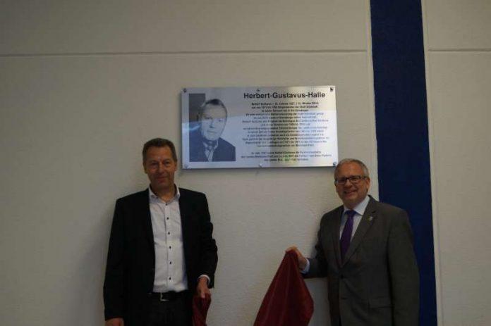 Bürgermeister Klaus Wagner und Landrat Hans-Ulrich Ihlenfeld (Foto: Kreisverwaltung Bad Dürkheim)
