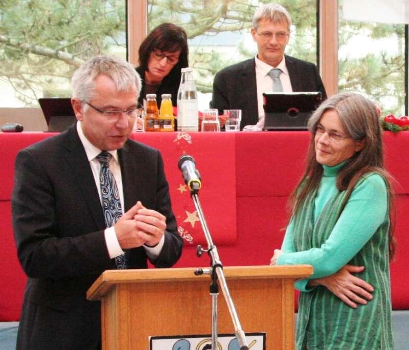 Landrat Stefan Dallinger verpflichtete dessen Nachfolgerin Ingrid Behner (Foto: Landratsamt Rhein-Neckar-Kreis)