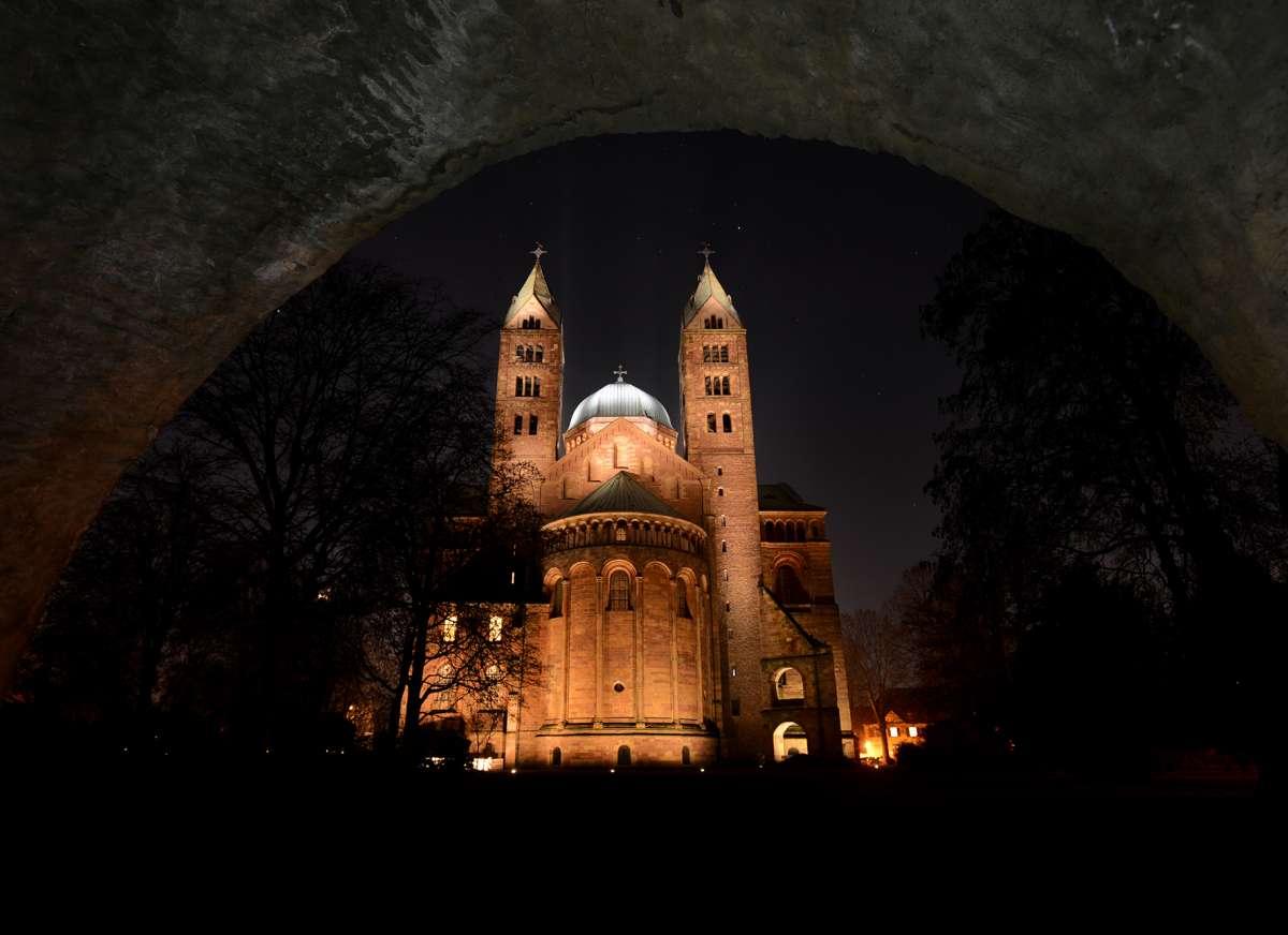 Neue Dombeleuchtung, Ostseite (Foto: Klaus Landry)