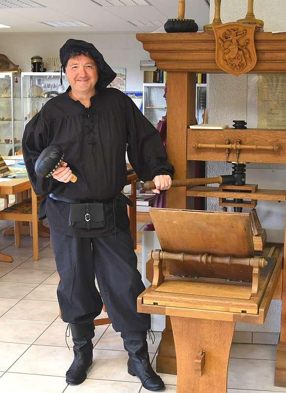 Reformationsbotschafter Michael Landgraf erzählt als Druckermeister über Zünfte, Bauernkrieger und Reformatoren. (Foto: Landgraf)