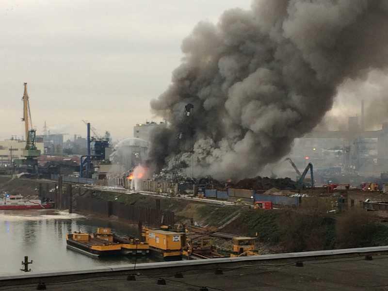 Das Ausmaß des Brandes wird auf dem Foto besonders deutlich (Foto: Kahl Büroeinrichtungen)