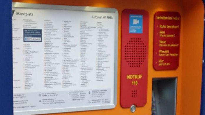Der Fahrkartenautomat in Mannheim an der Haltestelle Marktplatz ist der erste, an dem der Notruf-Knopf installiert wurde (Foto: Stadt Mannheim)