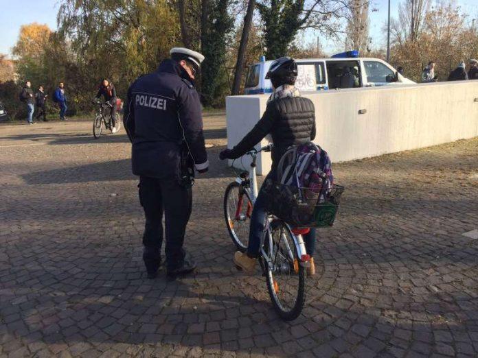 Fahrräder wurden auf ihre Sicherheit kontrolliert (Foto: Polizei)
