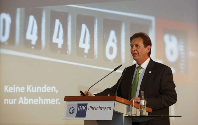 Die Festansprache zum IHK-Preis hielt Günter Reichart, Vorstandsmitglied EWR AG. (Foto: IHK Rheinhessen/Stefan Sämmer)