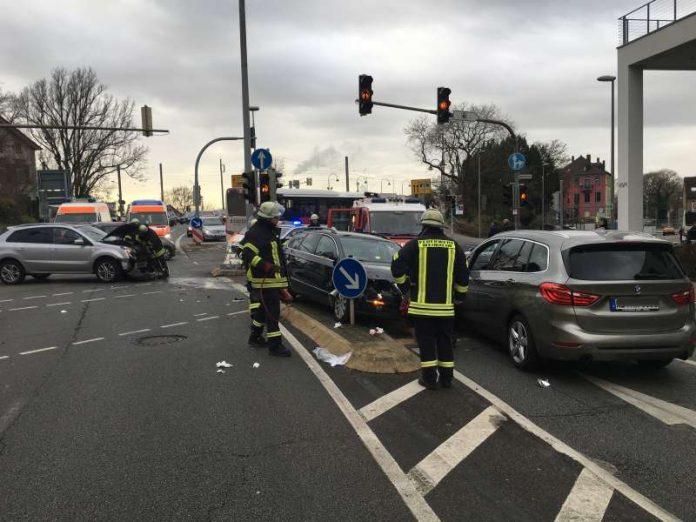 Unfall an der Postkreuzung (Foto: Ralf Mittelbach)