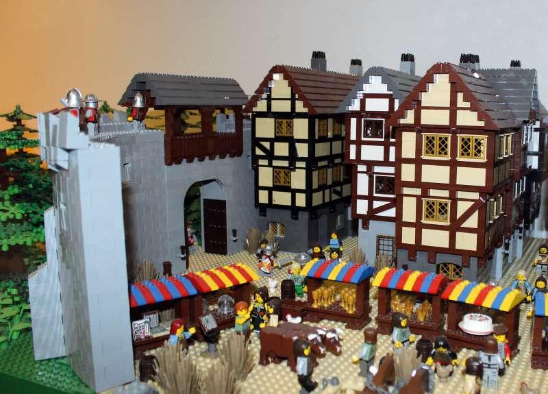Mittelalterliche Marktszene, Szene der Ausstellung 'LEGO Zeitreise' (Foto: Peter Baining)