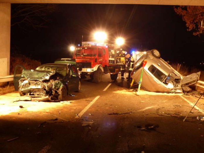 Die beteiligten PKW (Foto: Feuerwehr)