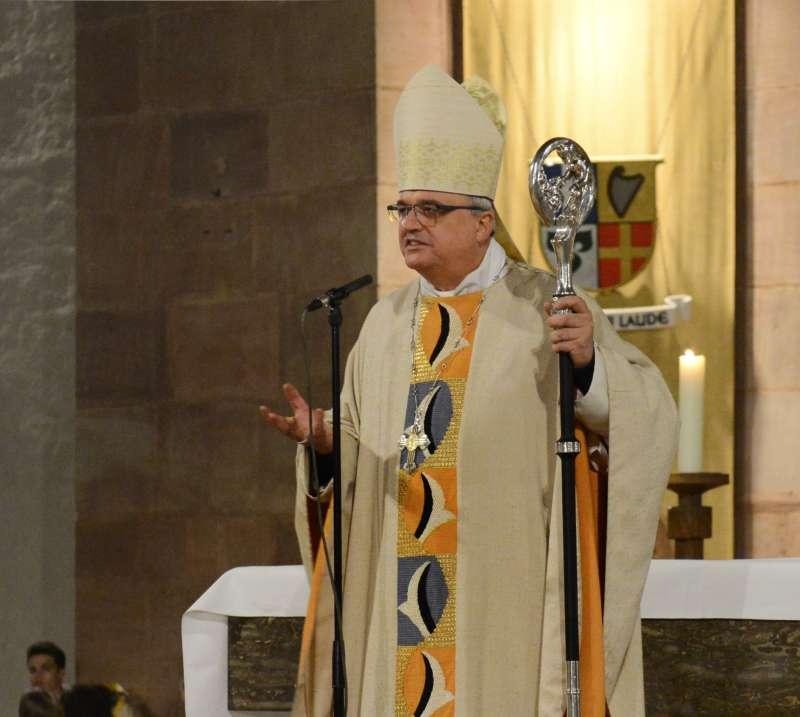 Bischof Dr. Karl-Heinz Wiesemann bei der Predigt (Foto: Klaus Landry)