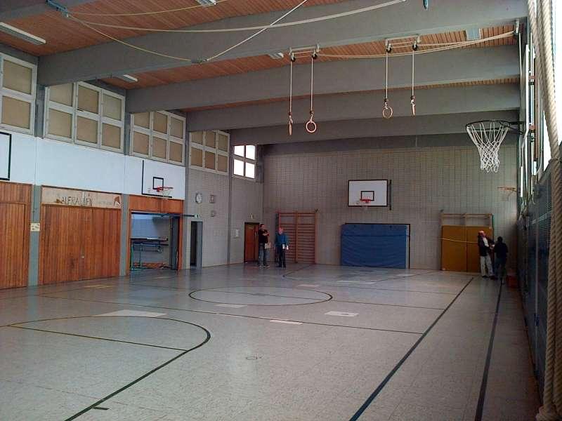 Foto der Turnhalle vor der Renovierung (Foto: Stadtverwaltung Neustadt)