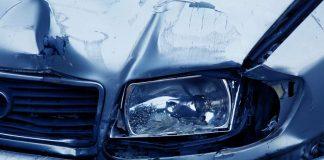 Symbolbild Verkehrsunfall, Auto, Scheinwerfer, Blau © on Pixabay